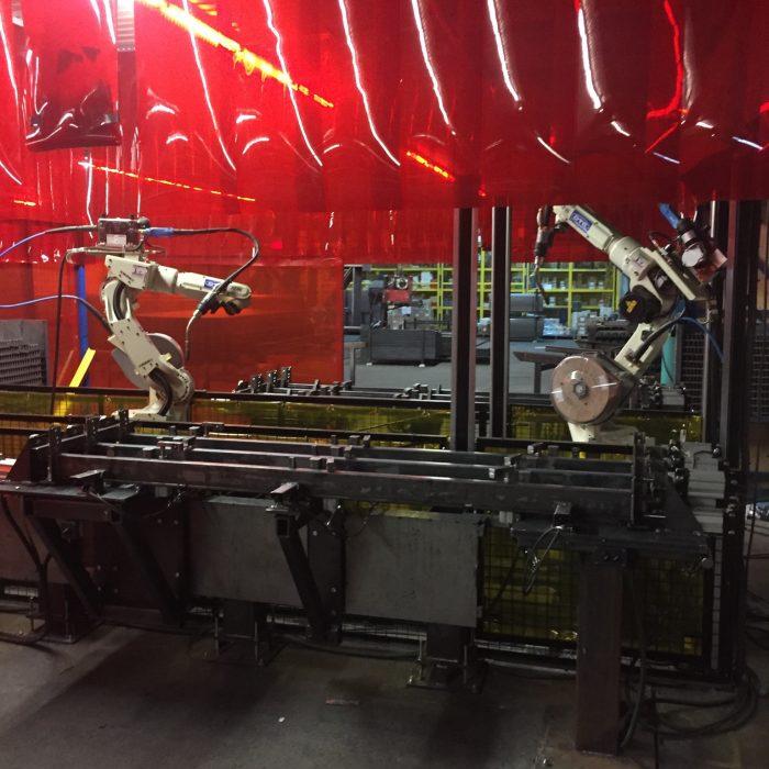 Cellule de robot, robot soudeur