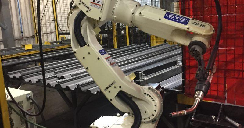 Équipements, robots soudeurs, soudeuses, usagés