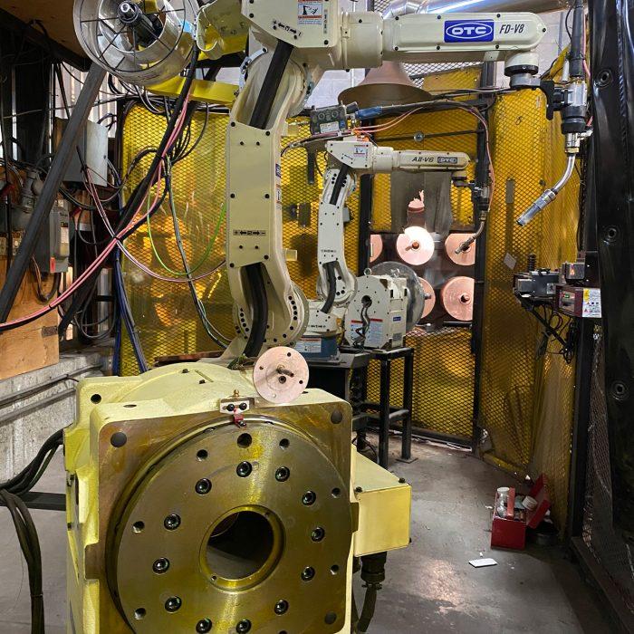 Robots DAIHEN-OTC, positionneur, drain, toit, soudure, cuivre